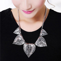 simplify-unique-fashion-women-necklace-leaf